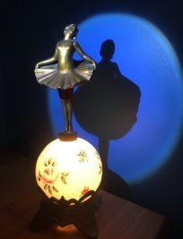 Petit bronce Dancer Table Lamp