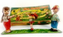 TPS Girl Skipping Rope (wind up)