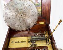 Symphonion: hollow disc player