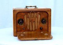 Small Portable valve radio